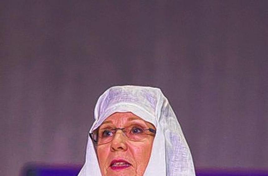 Die Aufführung fesselte die Zuschauer; Carolin Hempel spielte die Rolle der Hildegard von Bingen.