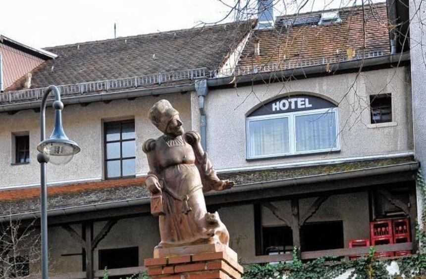 Wo gibt es in Bensheim einen Brunnen aus Backstein? Ein kleines Mädchen konnte die Frage einer ...