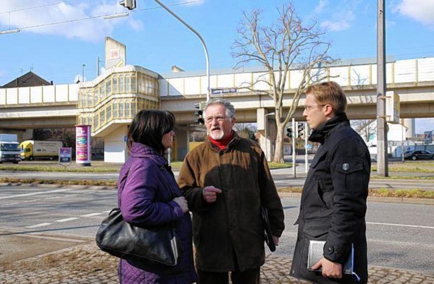 CDU-Politiker nehmen den Stadtteil unter die Lupe.