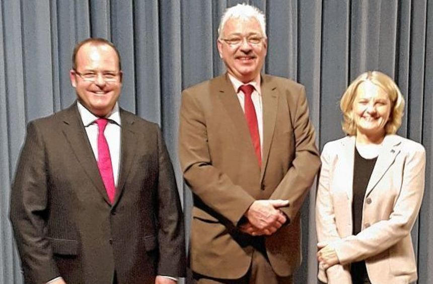Dr. Gunther Wobser, geschäftsführender Gesellschafter der Firma Lauda, Dr. Jürgen Gernert, ...