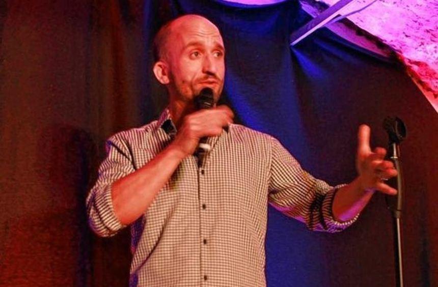 Kabarettist Markus Barth begeisterte das Publikum bei seinem Auftritt in Weikersheim.