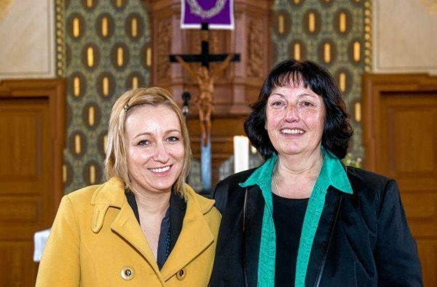 Ursula Kindinger-Bickel (rechts) wurde in ihr Amt als Lautertaler Kindergartenbeauftragte ...