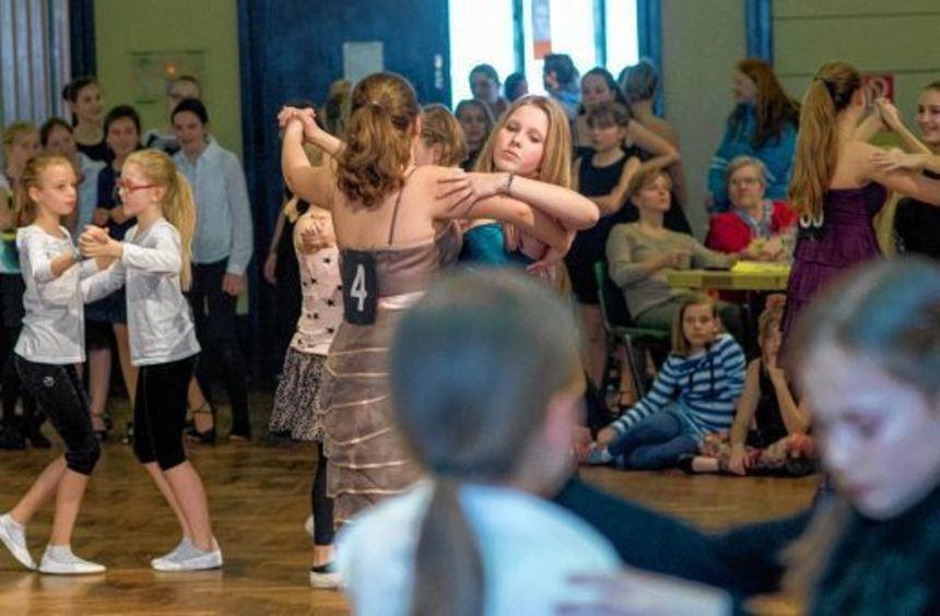 Erstklassiger Tanzsport wurde von den Teilnehmerinnen am traditionellen Turnier der ...
