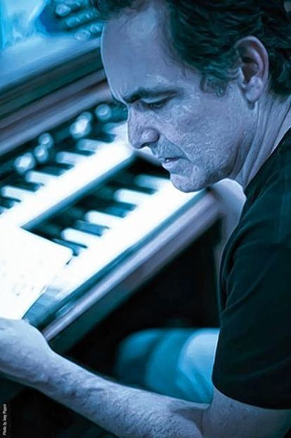 Flirtet mit Singer-Songwriter-Sounds: Neal Morse.