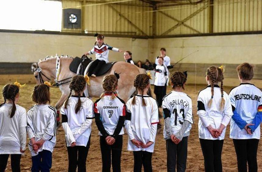 Auch Gruppen der RG Bensheim zeigten beim Jugendvergleichswettkampf der Bergsträßer Reiter ihr ...