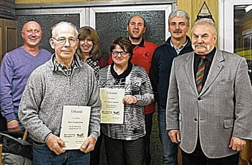 Bei der Generalversammlung des Reit- und Fahrvereins Glashofen wurden langjährige Mitglieder ...