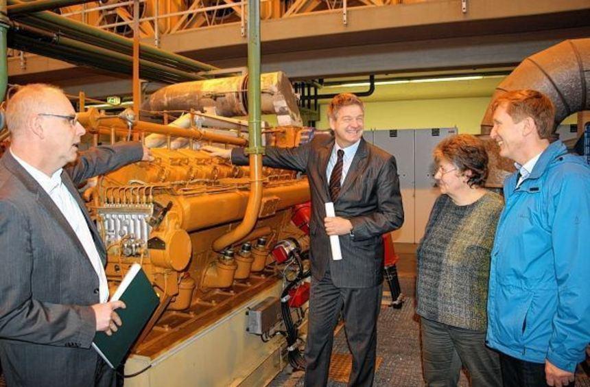 Ulrich Auer vom Unternehmen Reschke, Stadtrat Jens Bolze sowie Marianne Hielscher und Andreas ...