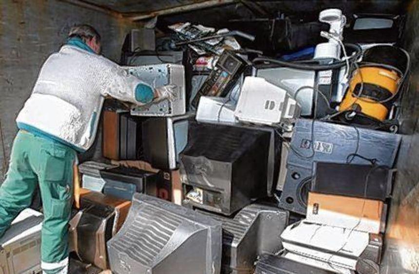 Läden müssen alte Geräte künftig kostenlos zurücknehmen.
