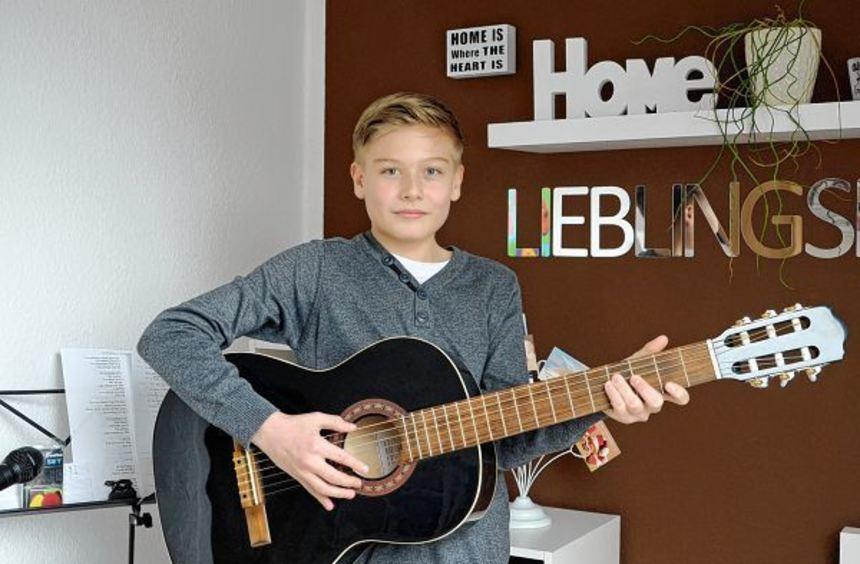 Musik im Blut: Niklas Röckert entdeckte seine Leidenschaft für Musik, Schauspiel und Gesang bereits ...