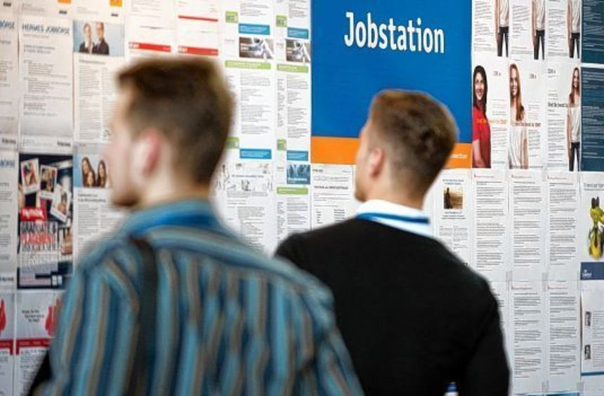 Die Zahl der Angebote auf einer Jobmesse ist überwältigend. Um sich zu orientieren, planen ...