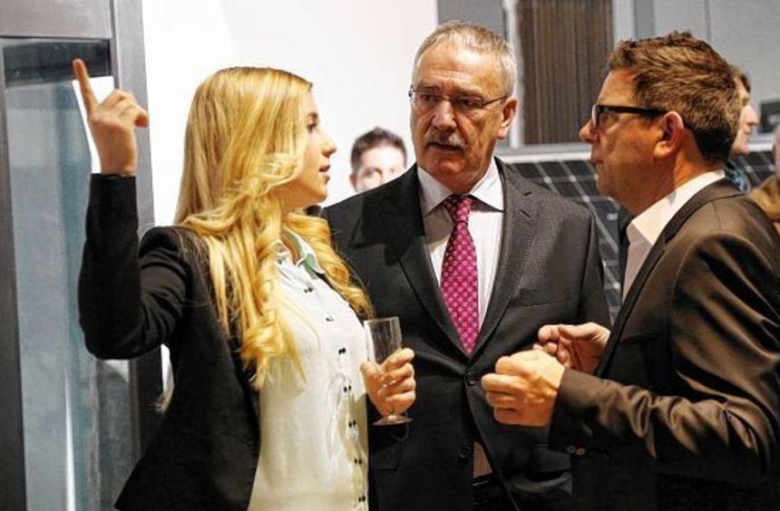 Jule Wolf, TSG Ketsch, im Gespräch mit Dr. Robert Becker und Gastgeber Wolfgang Elischer, ...