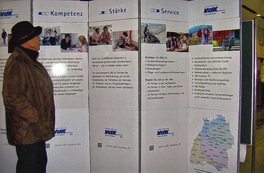 Große Schautafeln zur Information: Bis einschließlich Freitag ist noch die VdK-Info-Ausstellung in ...