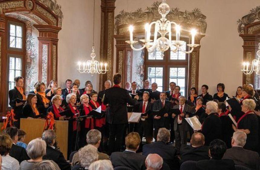 Ständchen: Die Harmonie Heppenheim feierte 50-jähriges Bestehen im Kurfürstensaal.