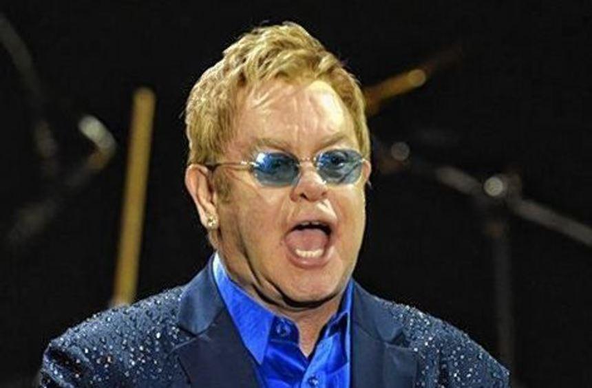 Elton John wettert gegen schwules Designer-Paar.