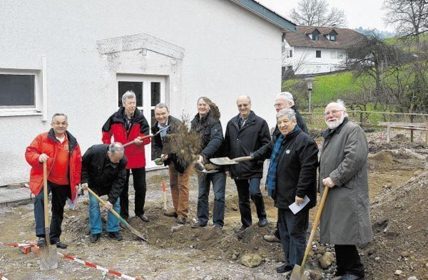 Beis September soll die neue Gerätehalle am Dorfgemeinschaftshaus in Sonderbach fertig sein. Gutes ...
