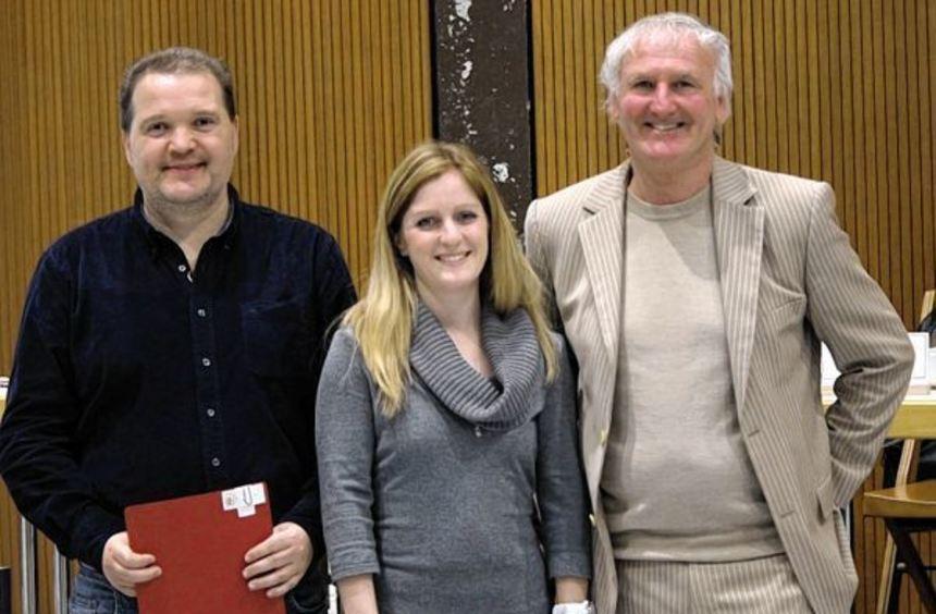 Goldenen Ehrennadel des MNT: Patricia Steinbach (TSV Tauberbischofsheim) und Thomas Pysik (SV ...