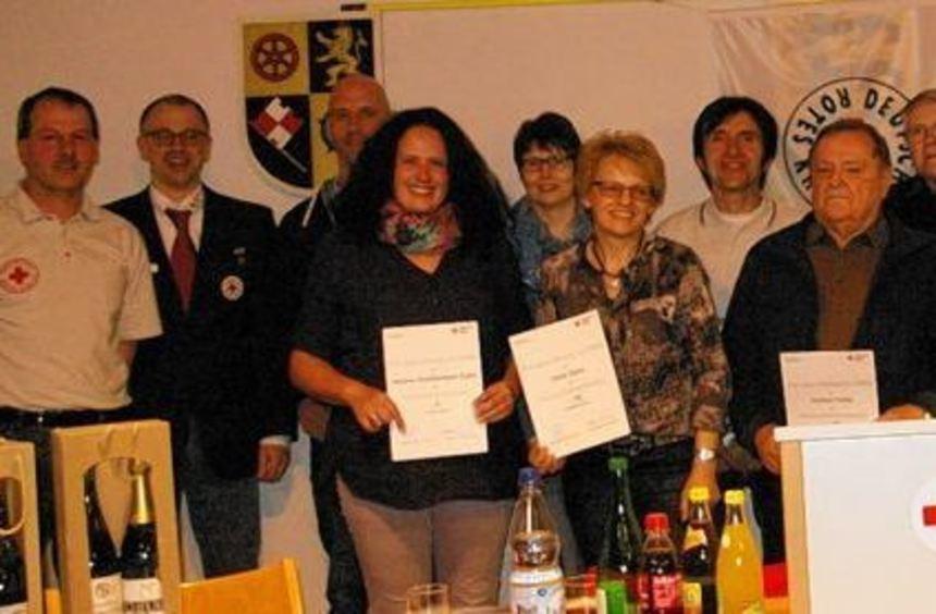 Die Geehrten zusammen mit dem Vorsitzenden Bernd Frank (links), dem stellvertretenden ...