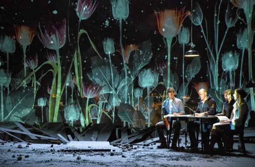 """Die Uraufführung von Gerhard Stäblers Oper """"The Colour"""" sorgte am Mainfranken Theater in Würzburg ..."""