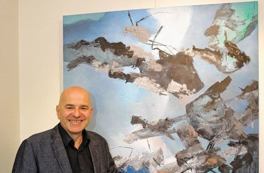 Der international renommierte Künstler, Designer und Architekt Paul Stasek, der in der ...