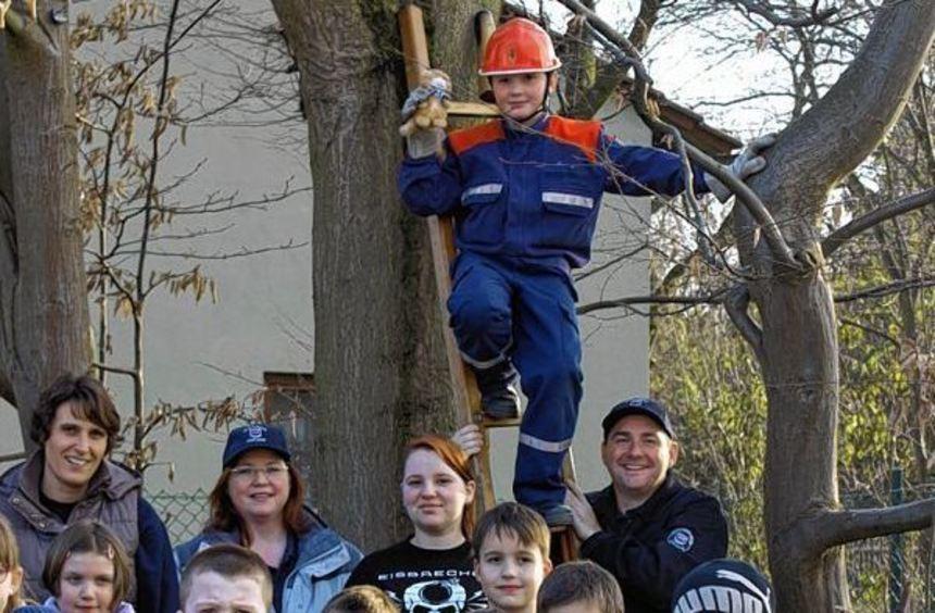Auch Kinder und Jugendliche kommen bei der Hofheimer Feuerwehr auf ihre Kosten. Besonders reizvoll: ...