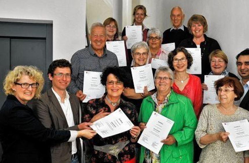 Elf Seniorenlotsen nehmen ihre Arbeit in Bensheim und den Stadtteilen auf: Im Caritaszentrum ...
