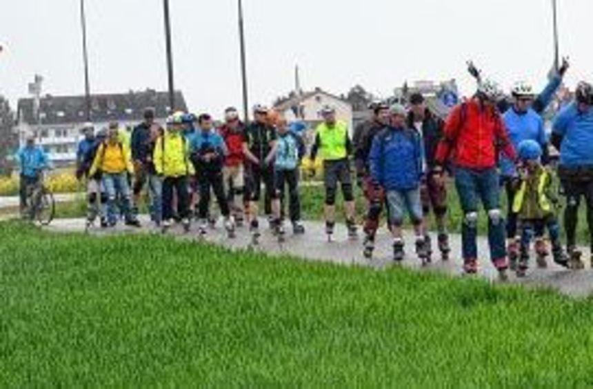 Etwa 40 Skater weihten am Wochenende den neuen Rundkurs zwischen Heddesheim, Viernheim und Weinheim ...
