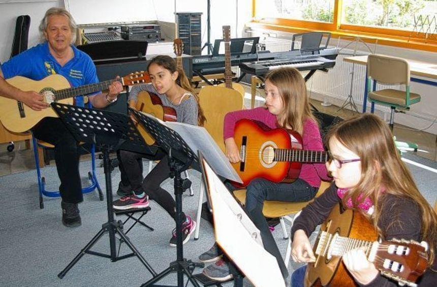 Der Tag der offenen Tür der Musikschule Freudenberg eignete sich für alle Interessierten, um ...