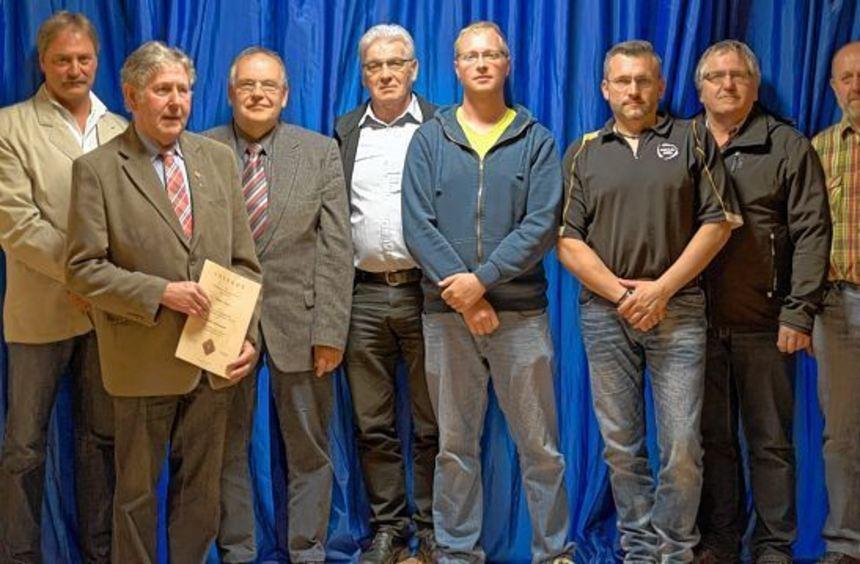 Langjährige Mitglieder wurden im Rahmen der Jahreshauptversammlung des Schützenvereins Hainstadt ...