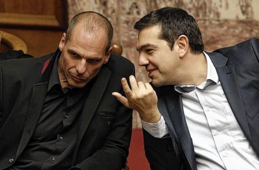 Der umstrittene griechische Finanzminister Gianis Varoufakis (links) mit Ministerpräsident Alexis ...