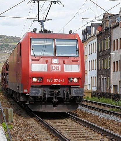 Bahnlärm im Bereich von Wohnhäusern nervt nicht nur in Mannheim.