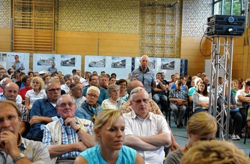 Über 120 Bürger kamen zur Informationsveranstaltung zur Umgestaltung der Seckenheimer Planken.