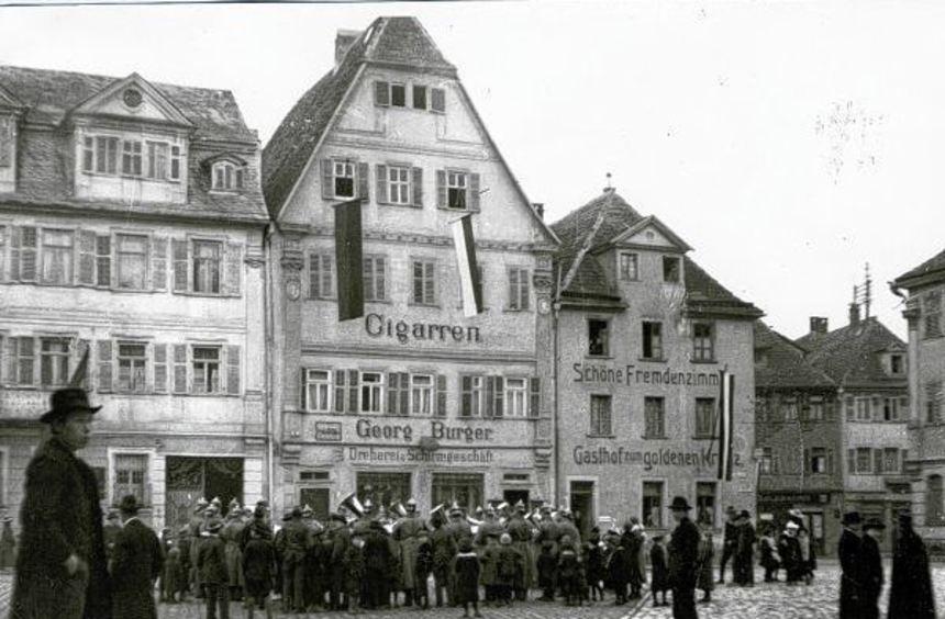 Das Burgerhaus am Marktplatz nach 1907.