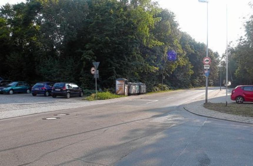 Durchfahrt verboten: Lastwagen dürfen vom Berliner Ring aus nicht mehr in die Robert-Bosch-Straße ...