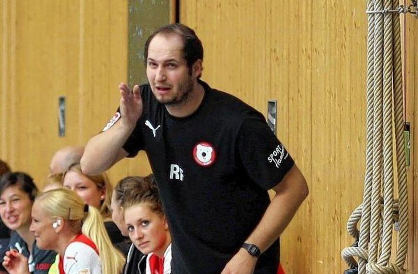 Neutrainer Rudi Frank gibt die Richtung vor.