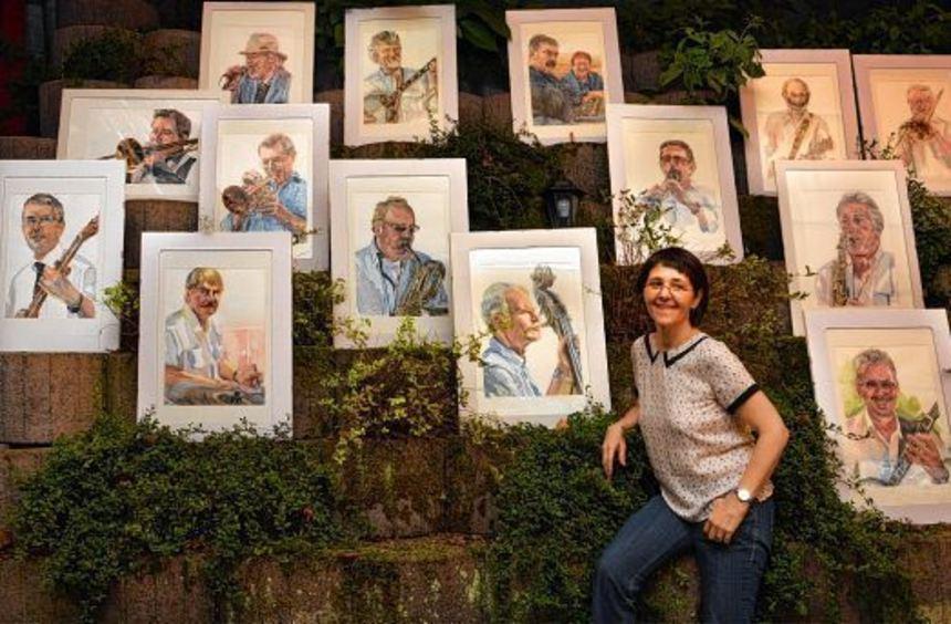 Joana Nagy-Blohberger stellte zusammen mit den Original Blütenweg-Jazzern Porträts der einzelnen ...