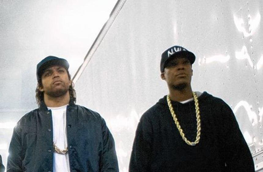 O'Shea Jackson Jr. (l.) spielt im Film seinen Vater Ice Cube.