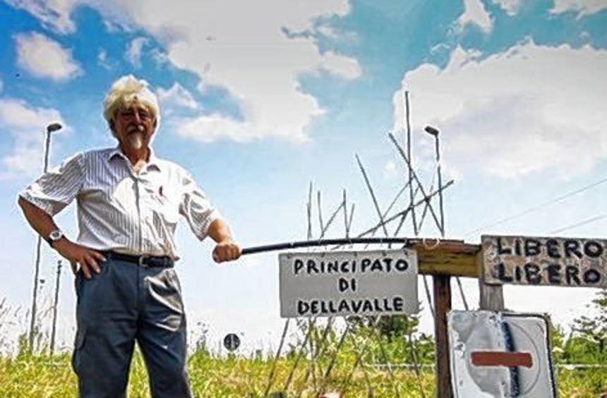 """Pier Giuseppe Dellavalle in seinem eigenen """"Fürstentum""""."""