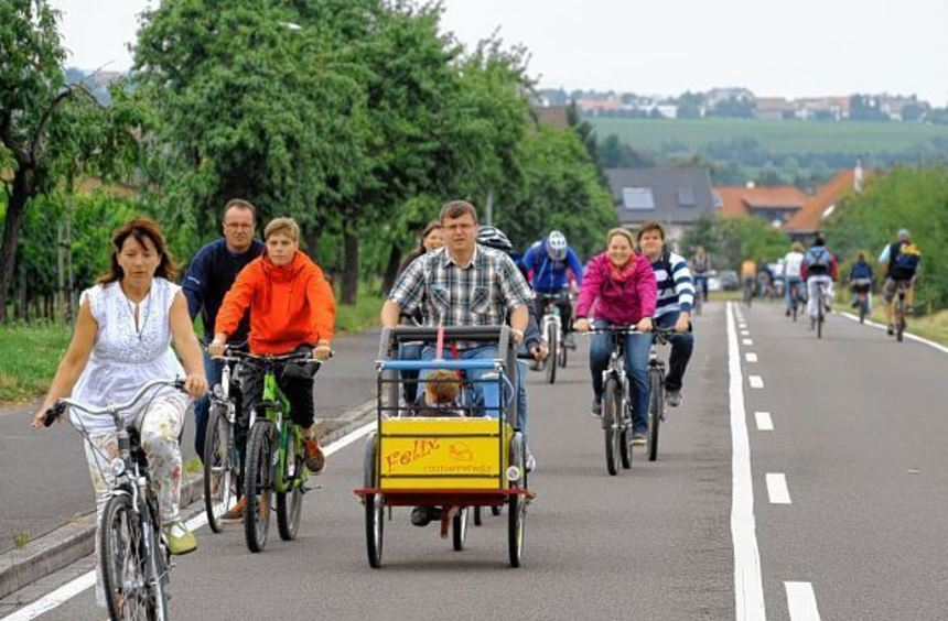 Am Sonntag haben Radfahrer, Inlineskater und Schoppenbummler auf der Weinstraße wieder Vorfahrt.