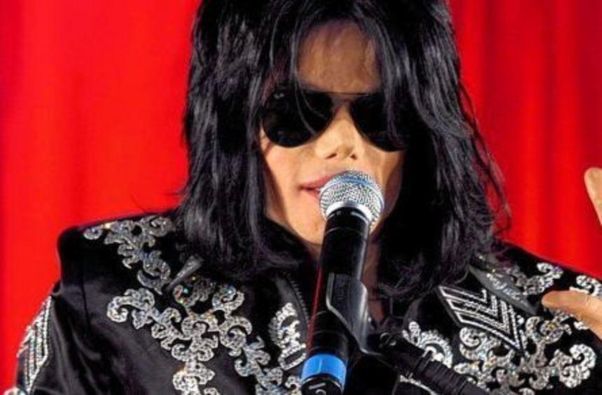 Seine Hits ziehen bis heute noch jeden auf den Dancefloor: Michael Jackson.