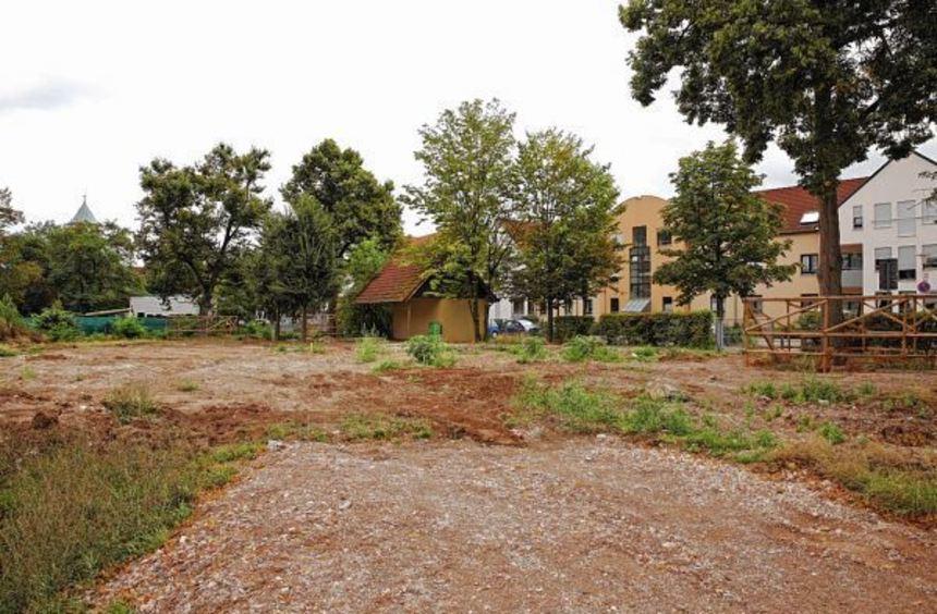 Wo einst Kinder tobten, herrscht nun Leere - die Villa Kunterbunt ist abgerissen. Im Hintergrund ...