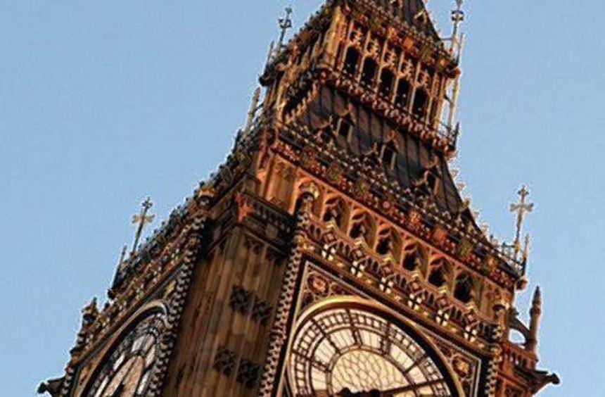 Der Zeit voraus: der Glockenschlag des Big Ben in London.