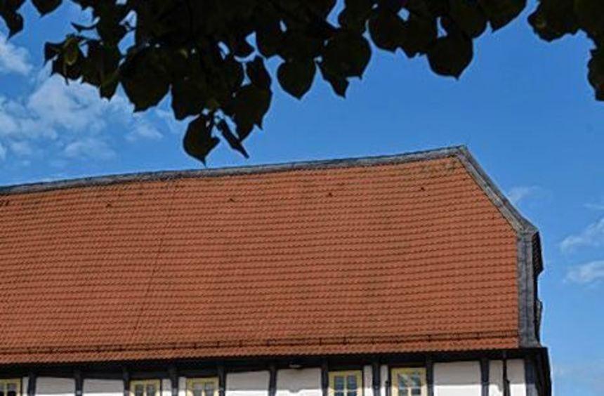 Blick auf das Fachwerk-Rathaus in Zierenberg.
