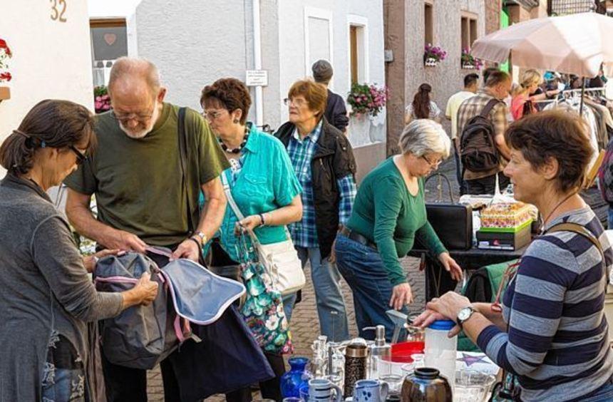 Statt der Großsaasemer Gassekerwe findet morgen ein Flohmarkt in der Kirchgasse statt. 89 Stände ...