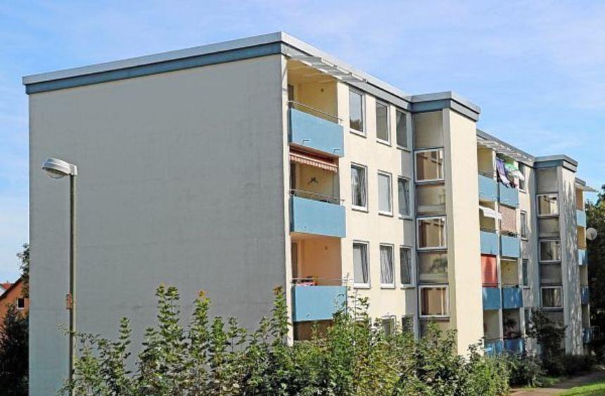 Der Wohnblock auf dem Wertheimer Wartberg, für den man zuerst mit dem Erdaushub begonnen hatte, ...