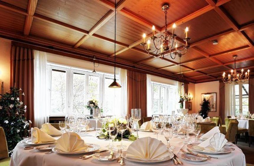 """Der Wassermann-Saal im """"Pfeffer & Salz"""" bietet einen festlichen Rahmen für größere Feiern."""
