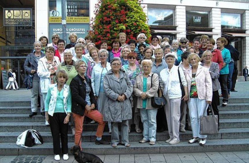 Die Turnerinnen der TG Biblis erlebten einen spannenden Tag in Pforzheim, wo sie unter anderem die ...