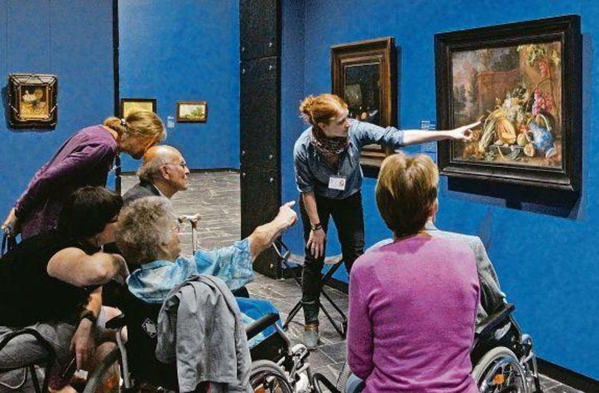 Wo hat sich die Weinbergschnecke versteckt? Bei der Kunstführung im Städel-Museum ruft Katharina ...