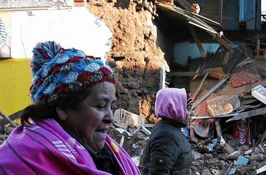 Nur mit dem Nötigsten verlassen die Menschen aus den Evakuierungszonen ihre Häuser und Wohnungen.