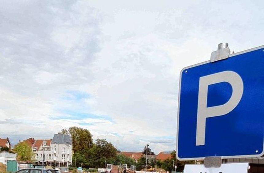 Stundenweise Rückkehr erlaubt: Ein provisorisches Schild gestattet die Nutzung der neu geschaffenen ...