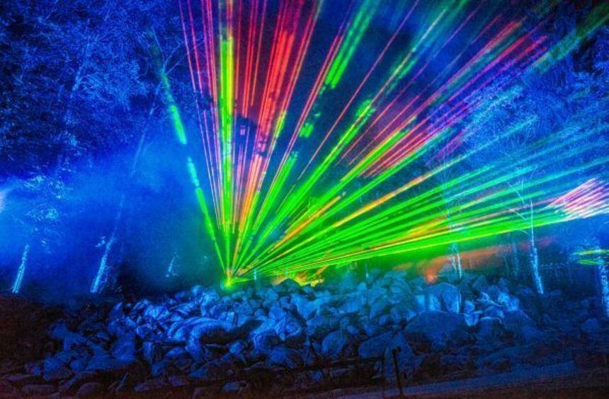 Höhepunkt der Erlebnistage: Die spektakulären Lichtinstallationen zwischen den Steinen bei der ...